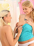 Captivating blonds finger and dildos tight craving holes