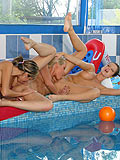 Hot teens in pool orgy make hungry pussy eating chain