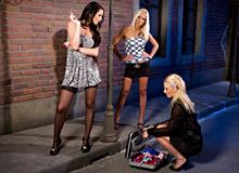 Antonia Blondcat Adeles 01