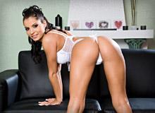 Lucy Belle 01 Zuleidy Top Anal Teen