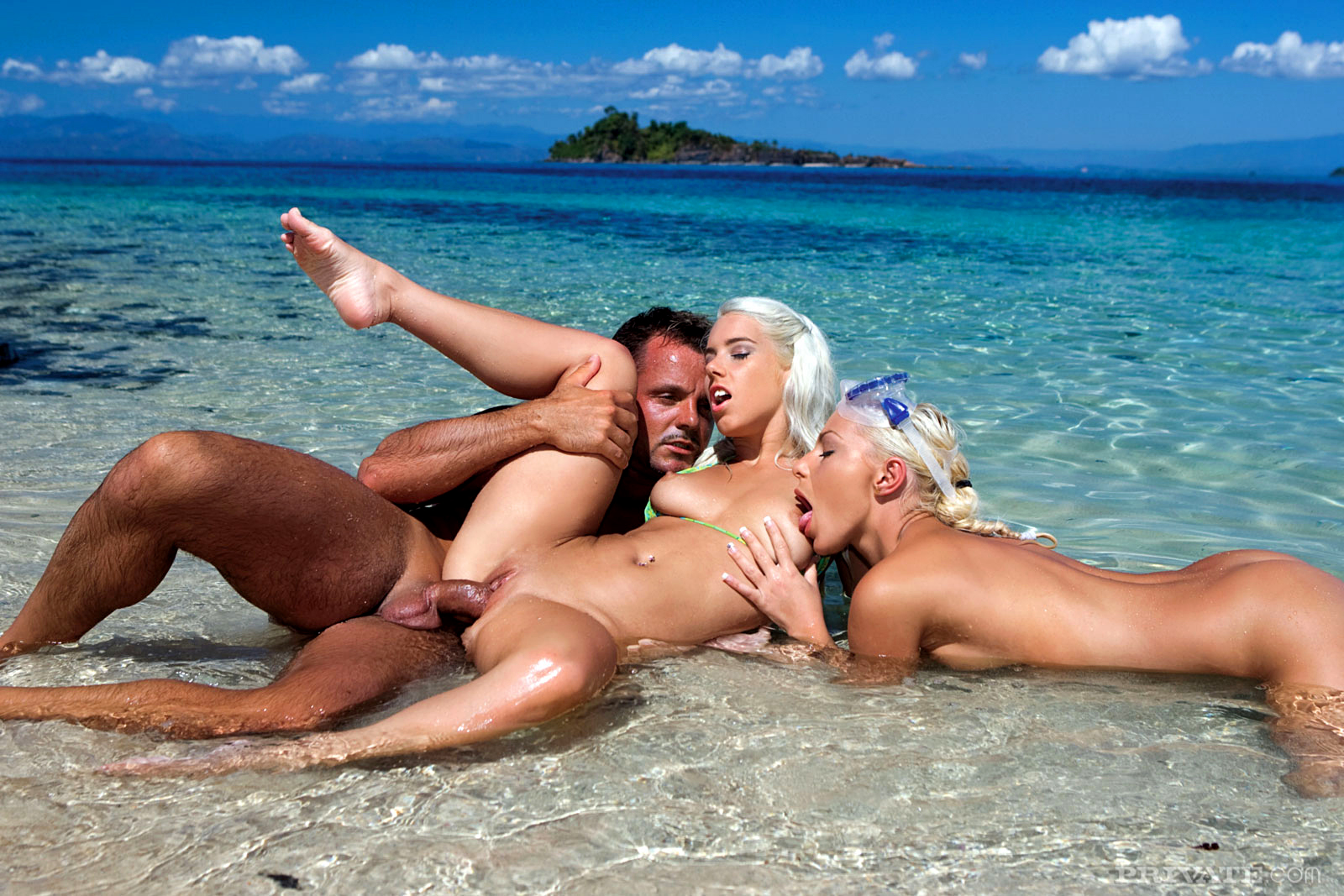 best places for threesome sex vacation