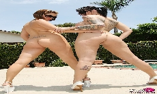 Pool Side Shoot with Katie Kox!