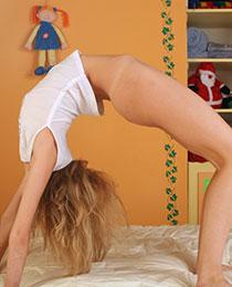 Hot flexible teen