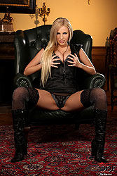 Slim blonde Keira Moon stripteasing