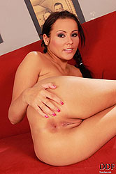 Sonia Red fingering her pink pussy