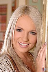 Britney Spears lookalike naked!
