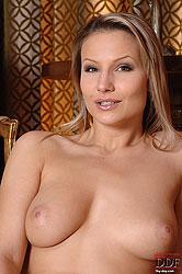 Samantha Jolie fingering her pussy