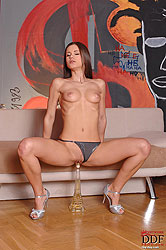 Teen masturbating with Eiffel Tower