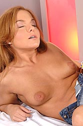 Horny babes in sexy lesbian romp