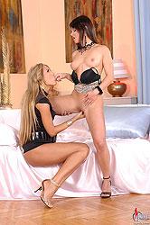 Aphrodisiacal lesbians tongueing