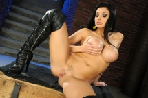 Busty pornstar babe Aletta Ocean dildoing herself