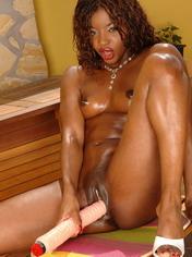 Jasmine the beautiful black bitch offering herself