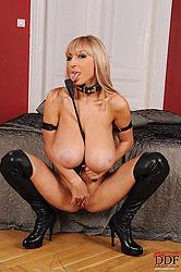 Hot Sexy Venera spanking her tits