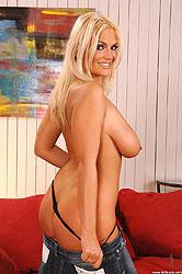 Big boobed babe Ines Cudna naked
