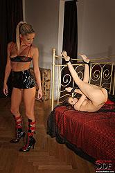 Brunette Jessica Koks gets seduced