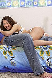 Brunette babe Priscilla sucks cock