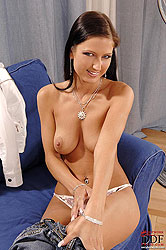 Sexy babe Sara sucking meaty cock