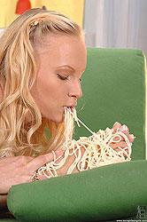 Babes stuffing pastas in their twat