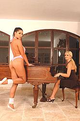 Sandra Shine & Zafira´s horny sex
