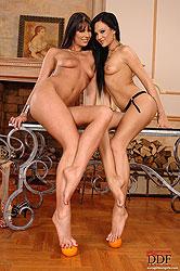 Lesbian babes in lusty leg sex fun