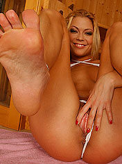 Blonde Adriana Malkova showing her tight pussy