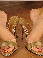 Blonde newcummer Boroka gets cum on her feet