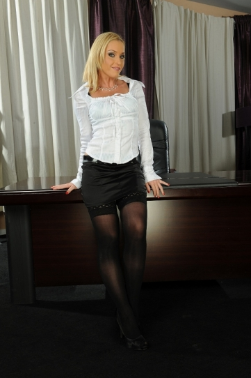 Blonde bombshell Kathia Nobili was made for sex