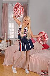 Sexy cheerleader Amelie feet fucked
