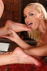 Antonia & Kathia Foot Worship Sex