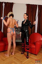 LaTaya Roxx & Lola´s bondage action