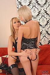 Blue Angel spanking Wiska´s hot ass
