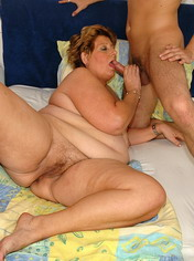 Big brunette mature takes off pants and fucking