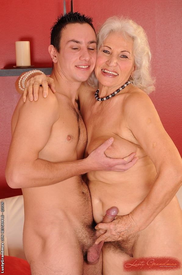 64 old senior fucks young assistant in the medical cabinet 8