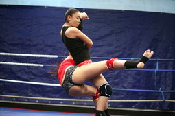 Teen babes try out themselves in a boxing ring