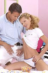 Jacqueline sucks her boyfriend dry