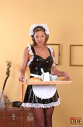 Caroline Cage doing morning blowjob