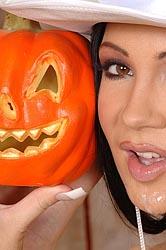 Regina Moon Halloween blowjob