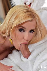 Charlyse Bella : White Rabbit gets sucked off