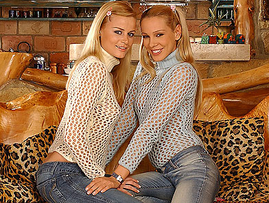 Two sexy blondes fisting and peeing on pussy