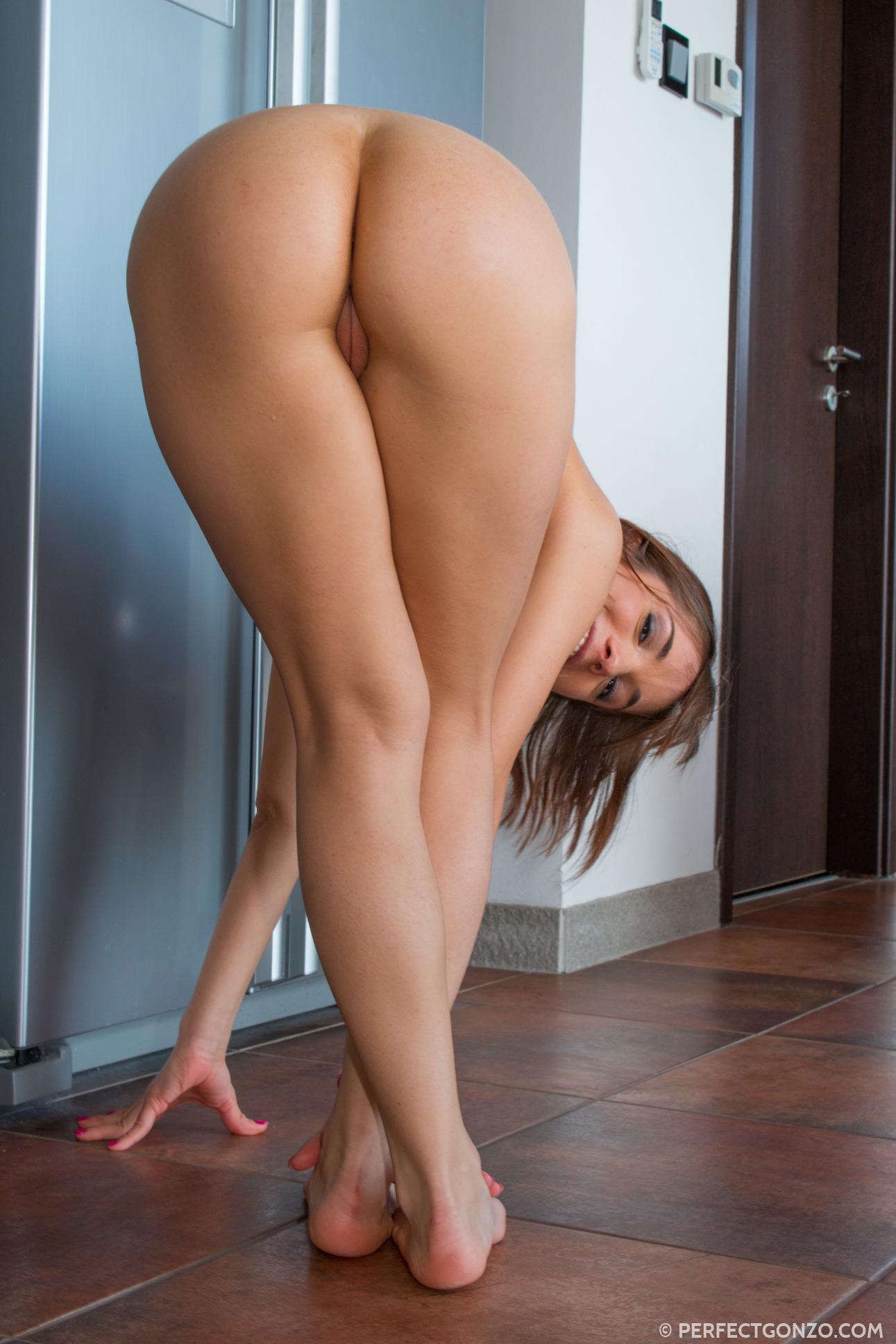 round ass pics