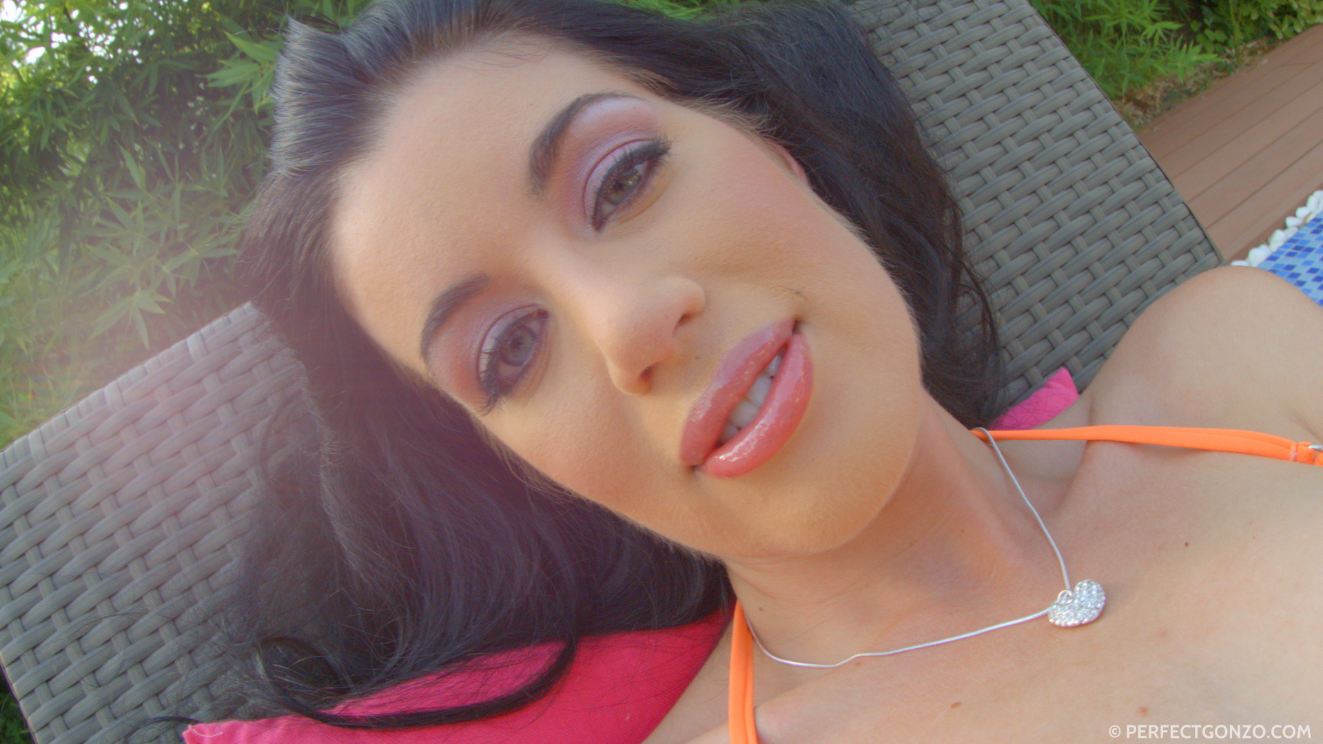 Givemepink beautiful april blue spends a lazy afternoon 4