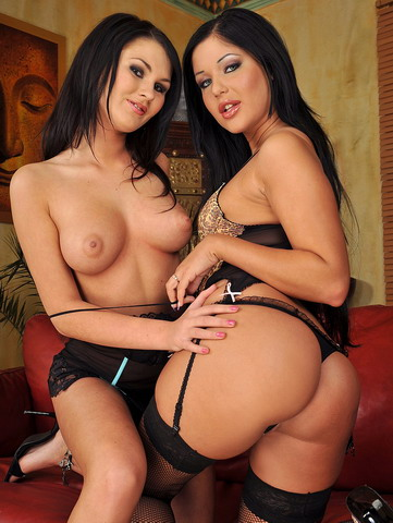 Filthy brunette cats dildoing with a huge bottle
