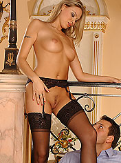 Sexy blonde Victoria Swinger gets anal fucked
