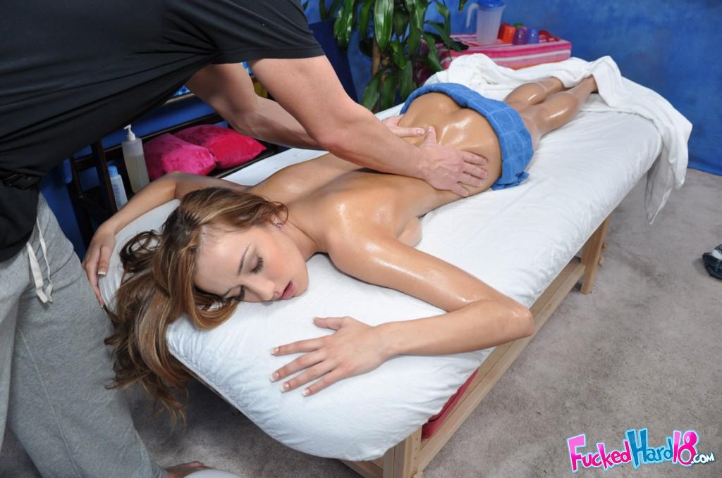 sensual nude massage victoria erotic massage