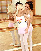 Two lesbo ballerinas fucking each others wet slit in gym