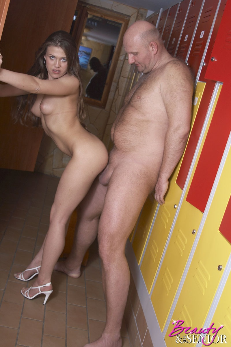 Couple fuck in a dressing room
