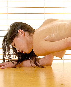 Sexy asian cutie is masturbating with a vibrator pictures