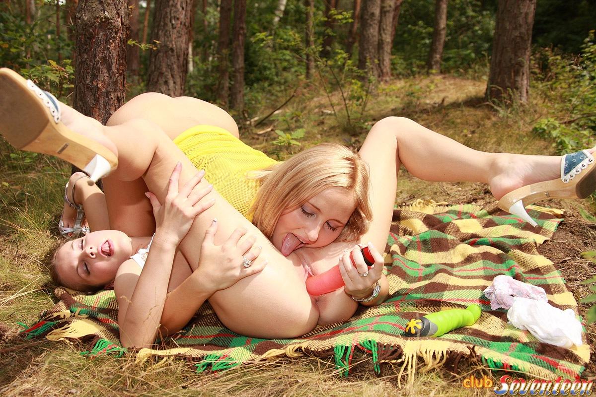 Lesbian blondes in latex