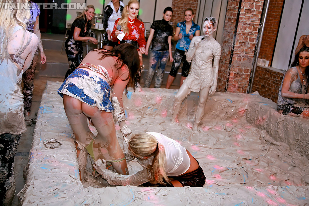 Mud in lesbians playing