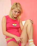 Sexy blonde dutch babe masturbates her soaked tight cunt
